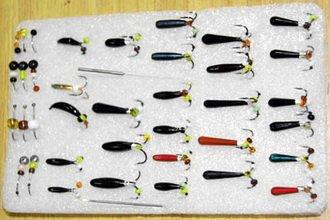Набор различных приманок для зимней рыбалки