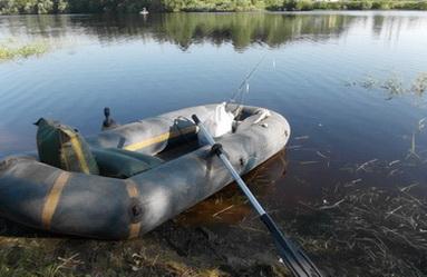 Лодка для ловли карася - легкая и низкая