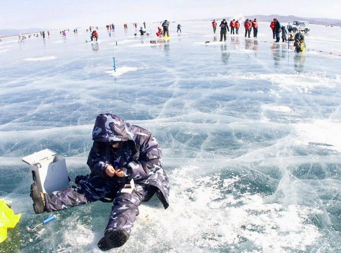 рыбалка на льду зимой