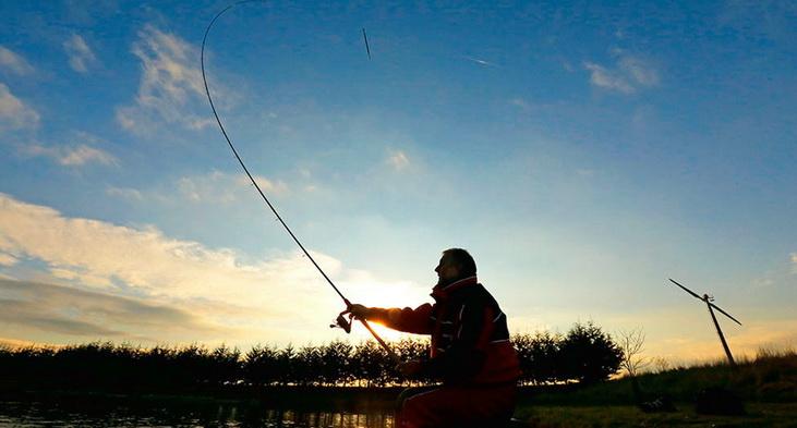 Видео рыбалка на дальний заброс плотва