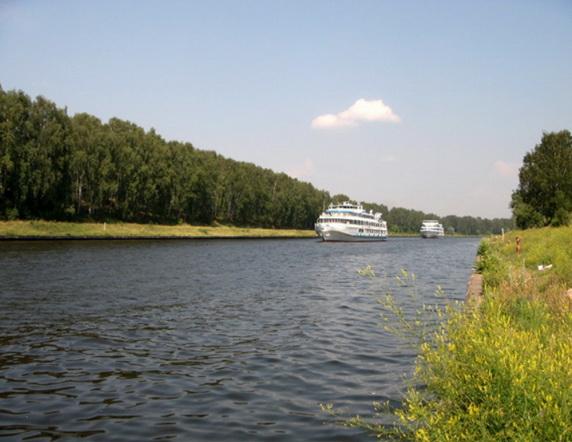 Лещ в канале им. Москвы